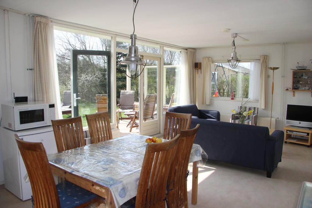De bungalow donna antonia - Keuken en woonkamer in dezelfde kamer ...